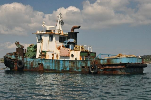 Fine boat.